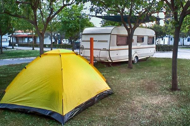 Camping Interstation - Χώρος κατασκήνωσης