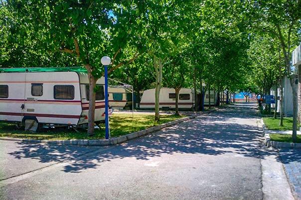 Camping Interstation - Χώρος για τροχόσπιτα
